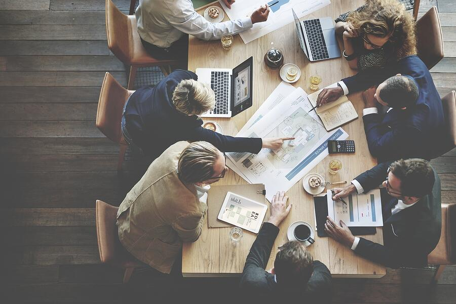 How to Use Content to Market to Buying Committees